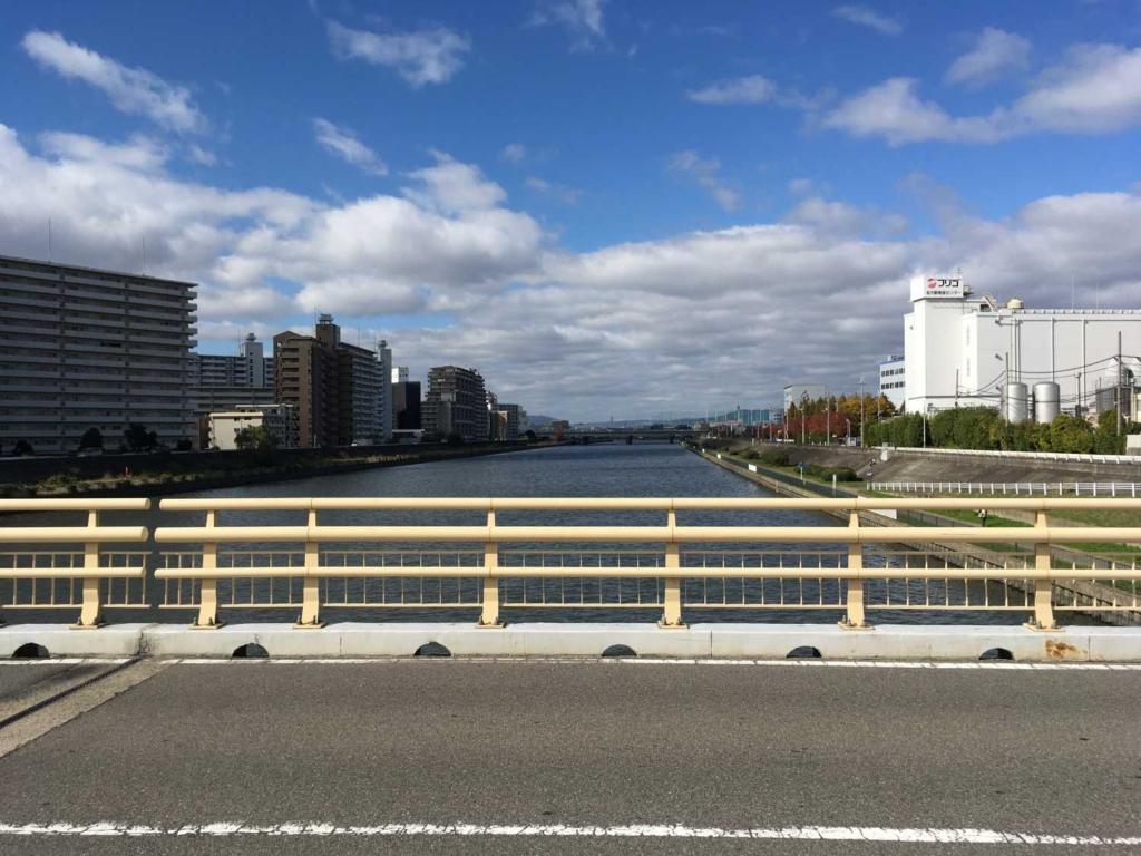 神崎川 橋脚上から
