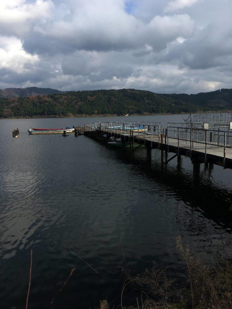 余呉湖西側の桟橋